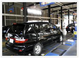 総合検査・ヘッドライト光軸・ブレーキ制動力などの最終検査